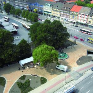 Blick auf Wandsbek Markt mit Puvogel-Brunnen - Fotos-Schmiede