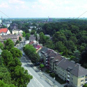 Blick von Wandsbek Markt nach Osten auf Wandsbeker Gehölz/Schloßstraße - Fotos-Schmiede